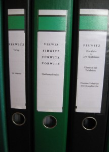 """Aktenordner mit Quellen zum """"Firwitz"""" ... (Mitte)"""